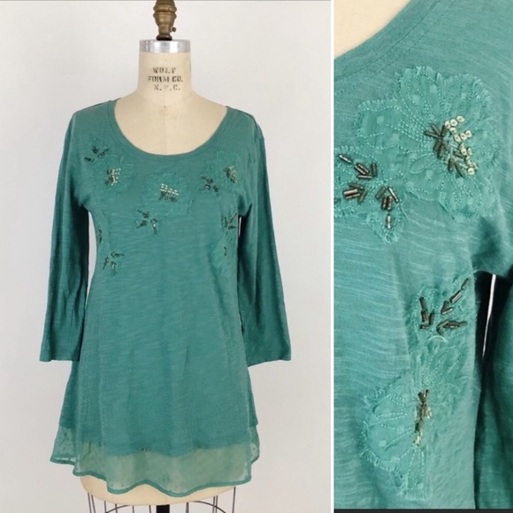LOGO layered floral sequin 3/4 sleeve tunic top